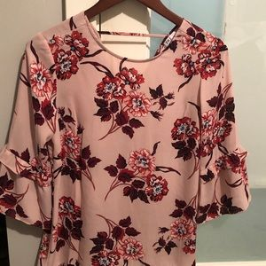 Tops - Floral print blouse